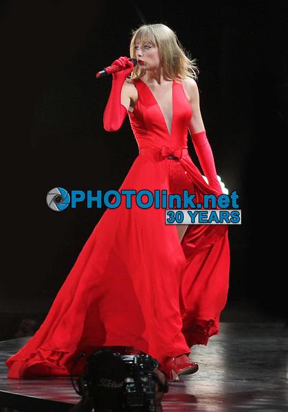 Taylor Swift, 2013, Photo By John Barrett/PHOTOlink