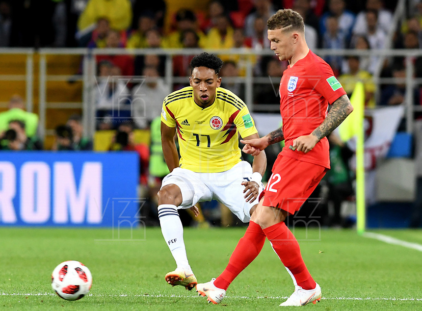 MOSCU - RUSIA, 03-07-2018: Johan MOJICA (Izq) jugador de Colombia disputa el balón con Kieran TRIPPIER (Der) jugador de Inglaterra durante partido de octavos de final por la Copa Mundial de la FIFA Rusia 2018 jugado en el estadio del Spartak en Moscú, Rusia. / Johan MOJICA (L) player of Colombia fights the ball with Kieran TRIPPIER (R) player of England during match of the round of 16 for the FIFA World Cup Russia 2018 played at Spartak stadium in Moscow, Russia. Photo: VizzorImage / Julian Medina / Cont