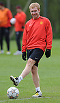 Paul Scholes of Manchester United during training before the champions league fixture against Barcelona Picture date 28th April 2008. Picture credit should read: Simon Bellis/Sportimage