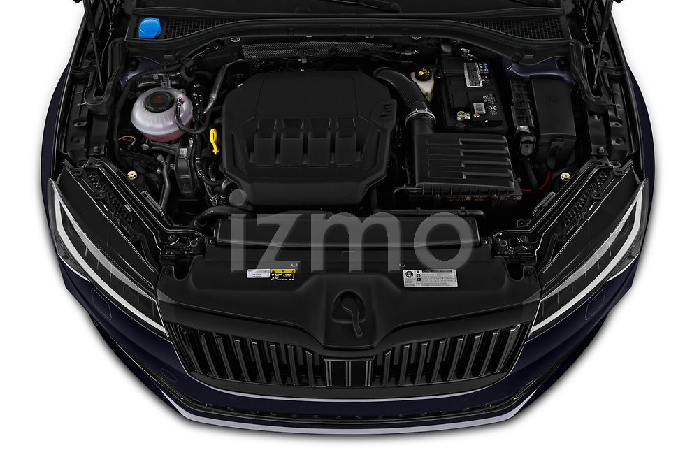 Car Stock 2020 Skoda Superb-Combi Sportline-4wd 5 Door Wagon Engine  high angle detail view