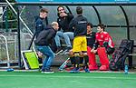 BLOEMENDAAL -  napraten Den Bosch na de  verloren     hoofdklasse competitiewedstrijd hockey heren,  Bloemendaal-Den Bosch (2-1)  . coach Eric Verboom (Den Bosch) , keeper Loic van Doren (Den Bosch) , Jelle Galema (Den Bosch) ,  COPYRIGHT KOEN SUYK