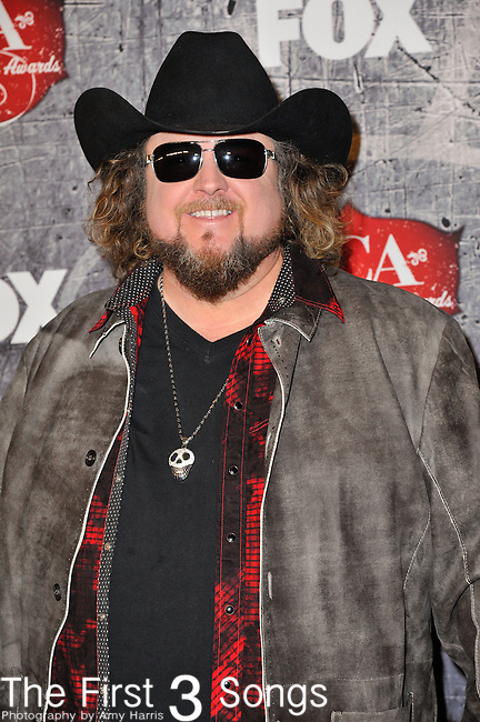 Colt Ford arrives at the American Country Awards 2012 at the Mandalay Bay Resort & Casion in Las Vegas, Nevada