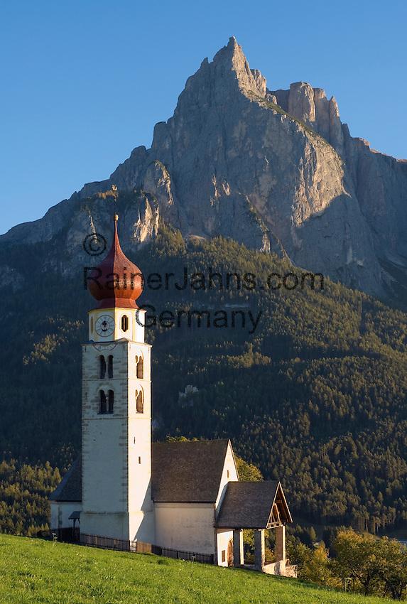 Italy, South Tyrol, Alto Adige, Valle Isarco, Dolomites, Siusi allo Sciliar, church San Valentino