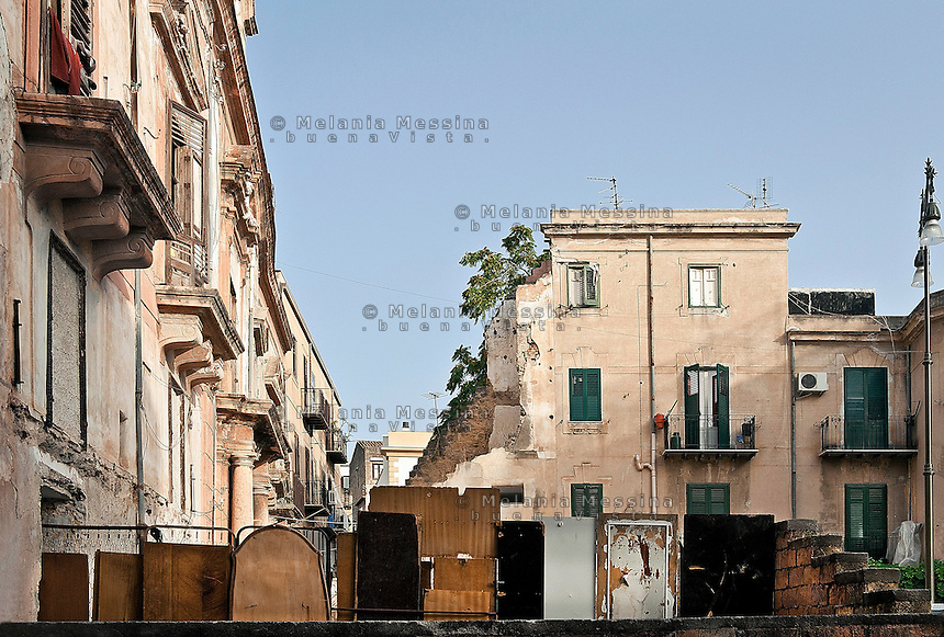 Noble palace in the Albergheria neighborood  in Palermo.<br /> Palazzo nobiliare nel quartiere Albergheria a Palermo.