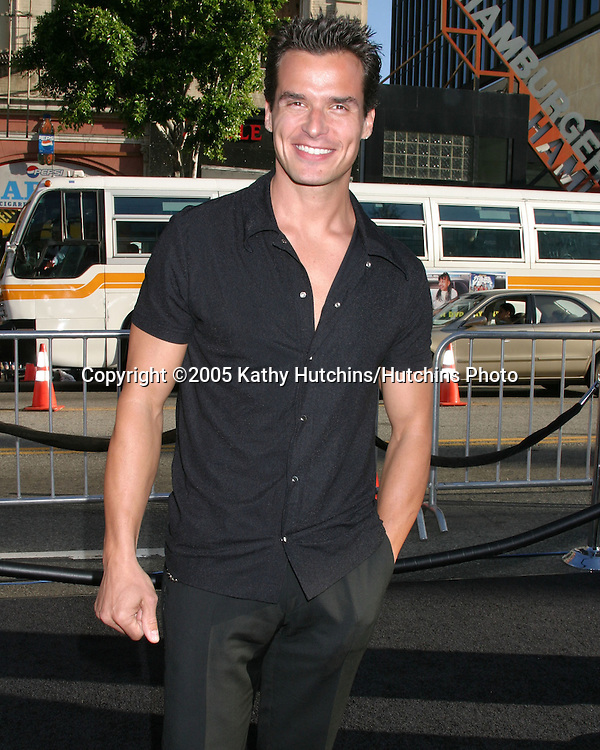 Antonio Sabato Jr..Premiere of Batman Begins.Grauman's Chinese Theater.Los Angeles, CA.June 6, 2005.©2005 Kathy Hutchins / Hutchins Photo