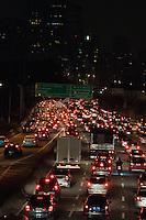 SÃO PAULO-SP-12,09,2014- TRÂNSITO - O Motorista enfrenta lentdão na Marginal Pinheiros sentido Interlagos. Região Oeste da cidade de São Paulo,na noite dessa Sexta-Feira,12(Foto:Kevin David/Brazil Photo Press)