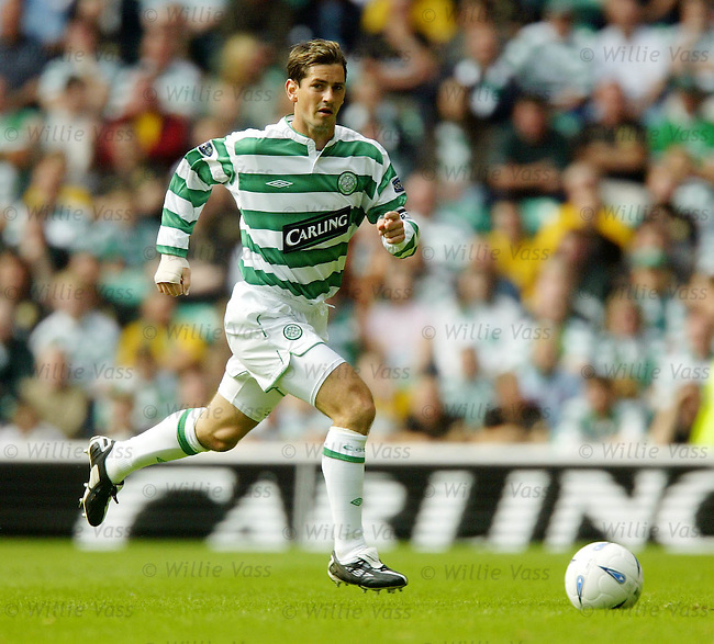 Jackie McNamara, Celtic.stock season 2003-04..pic willie vass