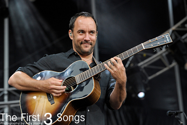 Dave Matthews of Dave Matthews Band performs during day two of the Dave Matthews Band Caravan at Lakeside on July 10, 2011 in Chicago, Illinois.