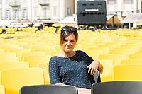 Suzanne Oberli, Piazza Grande Locarno, Sonntags Zeitung