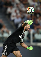 Calcio, Serie A: Juventus - Napoli, Torino, Allianz Stadium, 22 aprile, 2018.<br /> Juventus' captain and goalkeeper Gianluigi Buffon in action during the Italian Serie A football match between Juventus and Napoli at Torino's Allianz stadium, April 22, 2018.<br /> UPDATE IMAGES PRESS/Isabella Bonotto