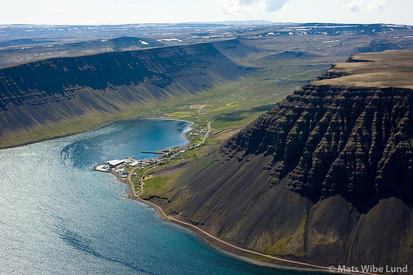 Bíldudalur séð til suðurs, Vesturbyggð / Bildudalur viewing south, Vesturbyggd.