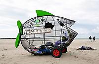 Nederland -  Velsen - 2019. Vis van gaas van Zapp Your Planet. De vis is bestemd voor afval.    Foto Berlinda van Dam / Hollandse Hoogte