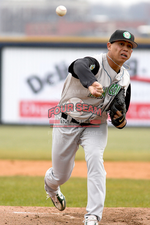April 14, 2007:  Inoel Deaza of the Kane County Cougars at Elfstrom Stadium in Geneva, IL  Photo by:  Chris Proctor/Four Seam Images
