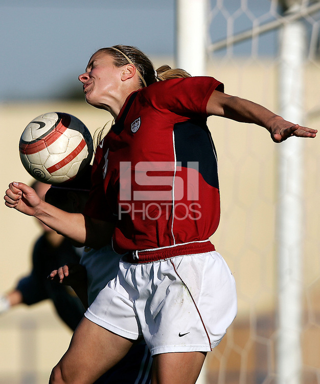 Ferreiras, PORTUGAL: Lindsay Tarpley in action at the Nora Stadium in Ferreiras, March 09 of 2007, during the Algarve Women´s Cup soccer match between USA and Finland. USA won 1-0. Paulo Cordeiro/International Sports Image