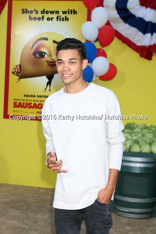 """LOS ANGELES - AUG 9:  Roshon Fegan at the """"Sausage Party"""" Premiere at the Village Theater on August 9, 2016 in Westwood, CA"""