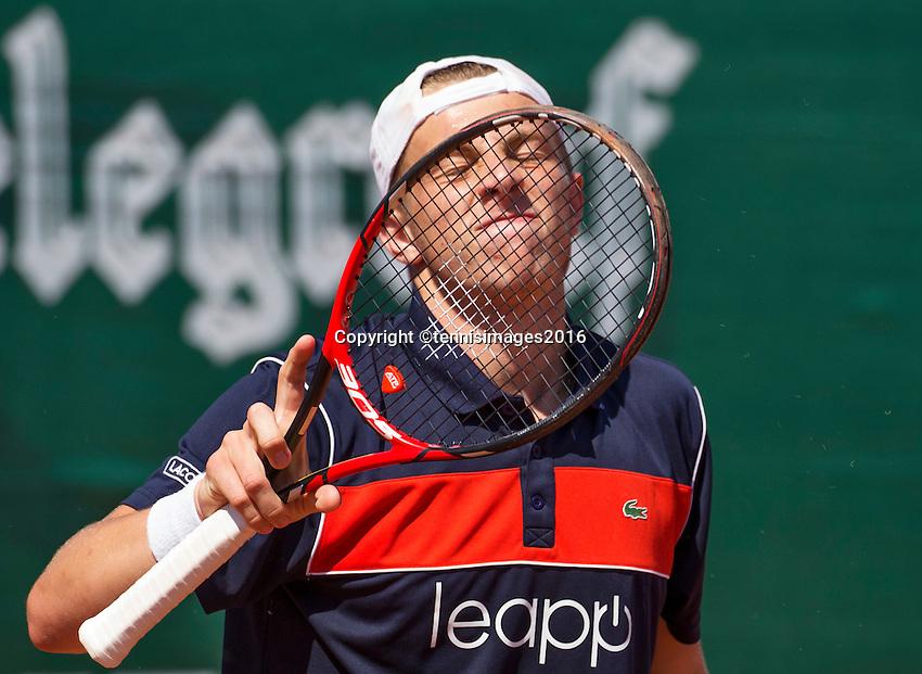 Zandvoort, Netherlands, 05 June, 2016, Tennis, Playoffs Competition, Tallon Griekspoor (NED) reacts<br /> Photo: Henk Koster/tennisimages.com
