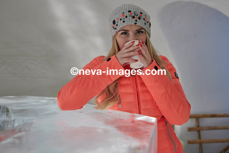 Zermatt, le 30janvier 2018,Beatrice Egli, chanteuse fait de la luge sur le gornergrat  © sedrik nemeth