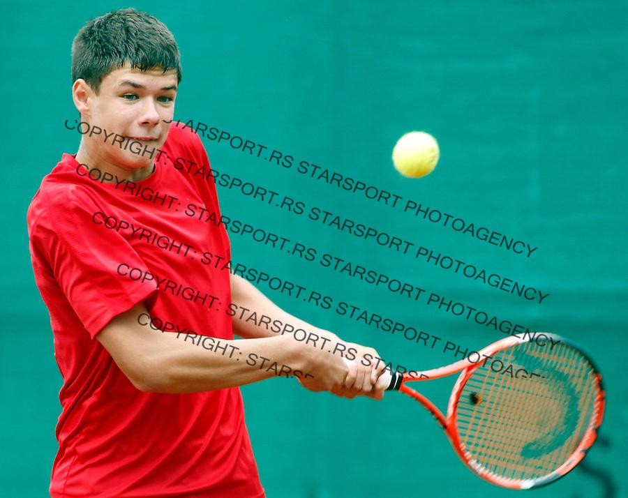 Tenis, World Championship U-14.World Championship U-14.Poland-China.Kamil Majchrzak Vs. Fajing Sun.Kamil Majchrzak, returnes.Prostejov, 03.08.2010..foto: Srdjan Stevanovic/Starsportphoto ©