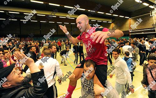 2012-05-11 / Futsal / seizoen 2011-2012 / Antwerpen is kampioen / Ahmed Sababti viert..Foto: Mpics.be