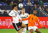 Leroy Sane (Deutschland Germany) gegen Georginio Wijnaldum (Niederlande) - 19.11.2018: Deutschland vs. Niederlande, 6. Spieltag UEFA Nations League Gruppe A, DISCLAIMER: DFB regulations prohibit any use of photographs as image sequences and/or quasi-video.
