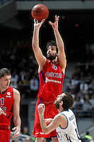 Real Madrid's Sergio Rodriguez (r) and CSKA Moscow's Milos Teodosic during Euroleague 2012/2013 match.January 31,2013. (ALTERPHOTOS/Acero)