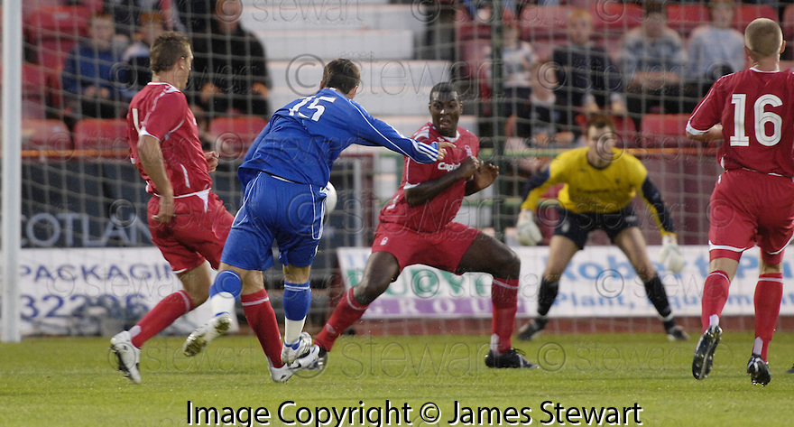 26/07/2007       Copyright Pic: James Stewart.File Name : sct_jspa11_dunfermline_v_notts_forest.OWEN MORRISON SCORES DUNFERMLINE'S SECOND.James Stewart Photo Agency 19 Carronlea Drive, Falkirk. FK2 8DN      Vat Reg No. 607 6932 25.Office     : +44 (0)1324 570906     .Mobile   : +44 (0)7721 416997.Fax         : +44 (0)1324 570906.E-mail  :  jim@jspa.co.uk.If you require further information then contact Jim Stewart on any of the numbers above.........