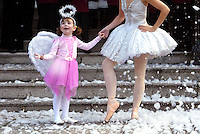 01/11/2007.Angel Jane Herlihy (4) from Glasnevin & Amy Thake as the Sugar Plum Fairy from Ballet Ireland's Nutcracker during the Launch of  Dublin City's Christmas Programme of Events at the Mansion House, Dublin..Photo: Gareth Chaney Collins
