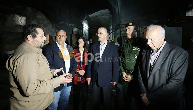 Palestinian Prime Minister Rami Hamdallah visits the Samaritan and Christian communities to congratulates them of Easter Sunday celebration, in the West bank city of Nablus on April 15, 2017. Photo by Prime Minister Office