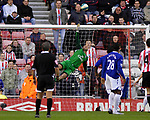 Everton's Tim Howard makes a superb injury time save from a Sunderland free kick taken by Andy Reid. during the Premier League match at the Stadium of Light, Sunderland. Picture date 9th March 2008. Picture credit should read: Richard Lee/Sportimage