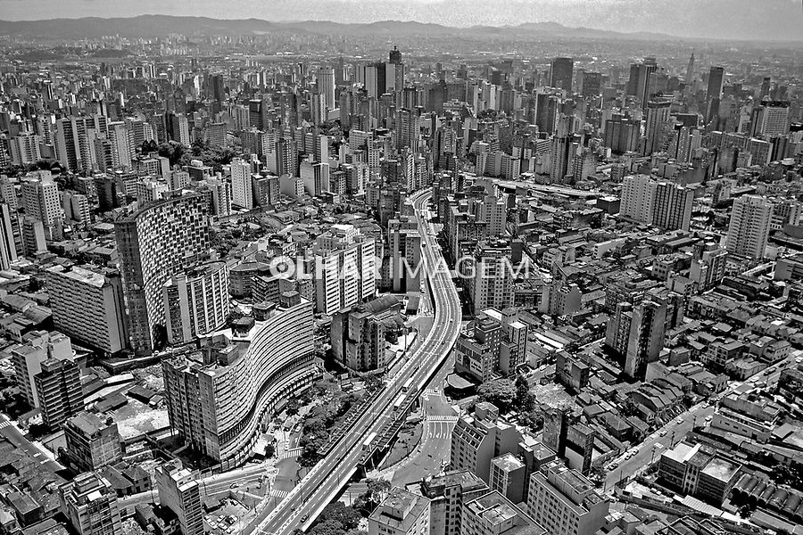 Aerea da Avenida 9 de Julho. São Paulo. 1985. Foto de Juca Martins.