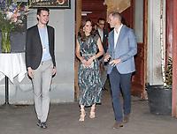 Princess Kate and Prince William - Claerchen's Ballhaus Dance Hall