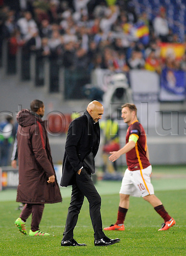 17.02.2016. Stadio Olimpico, Rome, Italy. UEFA Champions League, Round of 16 - first leg, AS Roma versus Real Madrid.  The coach of Roma Luciano Spalletti and Francesco Totti look disappointed at games end