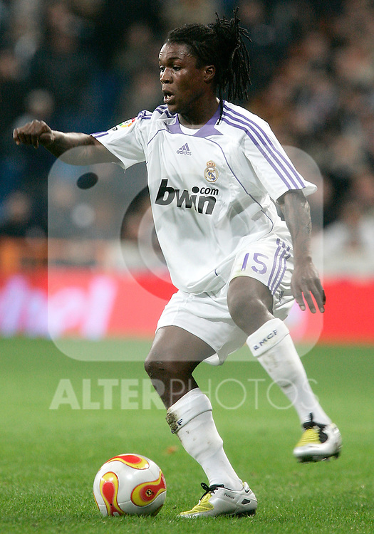 Real Madrid's Royston Drenthe during King's Cup match, January 16, 2008. (ALTERPHOTOS/Alvaro Hernandez)