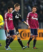 Fussball DFB Pokal:  Saison   2011/2012  Achtelfinale  21.12.2011 Borussia Moenchengladbach - FC Schalke 04 Enttaeuschung bei Marco Hoeger, Lars Unnerstall, Benedikt Hoewedes (v. li., FC Schalke 04)