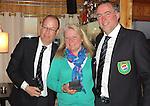 TEXEL - De Cocksdorp - Karin Mulder (Scheen) Eric Korver  en Ger Laan.   Golfbaan De Texelse. COPYRIGHT KOEN SUYK