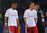 FUSSBALL   1. BUNDESLIGA   SAISON 2011/2012    11. SPIELTAG Hamburger SV - 1. FC Kaiserslautern                          30.10.2011 Dennis AOGO (li) und Robert TESCHE (re, beide Hamburg) sind nach dem Abpfiff enttaeuscht