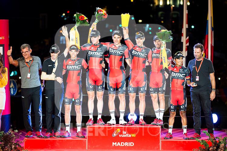 Best team award to BMC Racing Team, Samu Sanchez, Dylan Teuns, Jean-Pierre Drucker, Silvan Dillier, Ben Harmans, Danilo Wyss and Darwin Atapuma during La Vuelta a España 2016 in Madrid. September 11, Spain. 2016. (ALTERPHOTOS/BorjaB.Hojas)