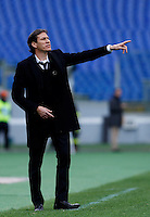 Calcio, Serie A: Roma vs Parma. Roma, stadio Olimpico, 15 febbraio 2015.<br /> Roma's coach Rudi Garcia gestures to his players during the Italian Serie A football match between AS Roma and Parma at Rome's Olympic stadium, 15 February 2015.<br /> UPDATE IMAGES PRESS/Isabella Bonotto
