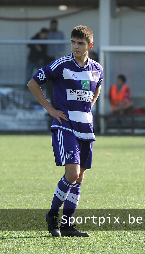 20151031 - KORTRIJK , BELGIUM : Anderlecht 's Selahi Lindon pictured during the Under 19 ELITE soccer match between KV Kortrijk and RSC Anderlecht U19 , on the thirteenth matchday in the -19 Elite competition. Saturday 31 October 2015. PHOTO DAVID CATRY