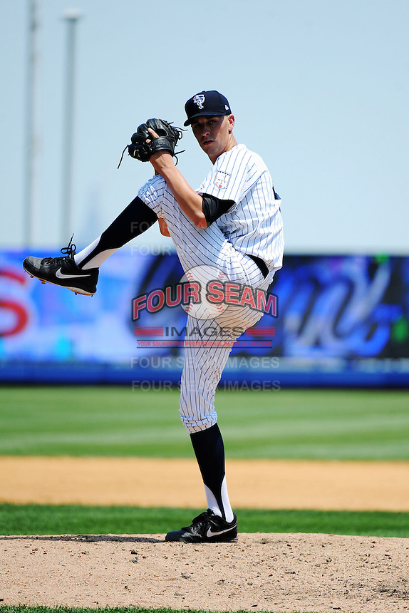 Staten Island Yankees pitcher Andy Beresford (45) during game against the Batavia Muckdogs at Richmond County Bank Ballpark at St.George on July 18, 2013 in Staten Island, NY.  Batavia defeated Staten Island 8-2.  (Tomasso DeRosa/Four Seam Images)
