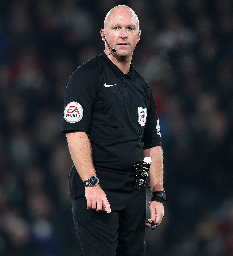 Referee Simon Hooper<br /> <br /> Photographer Mick Walker/CameraSport<br /> <br /> The EFL Sky Bet Championship - Derby County v Norwich City - Saturday 26th November 2016 -Pride Park - Derby<br /> <br /> World Copyright &copy; 2016 CameraSport. All rights reserved. 43 Linden Ave. Countesthorpe. Leicester. England. LE8 5PG - Tel: +44 (0) 116 277 4147 - admin@camerasport.com - www.camerasport.com