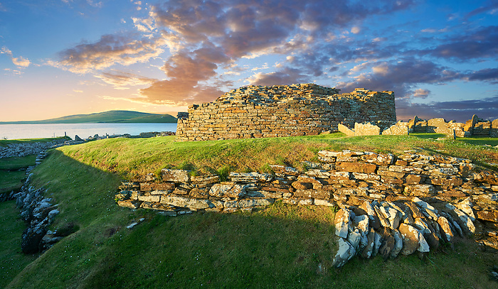 The Broch of Gurness is a rare example of a well preserved brooch village. Dating from 500 to 200BC the central round tower probably reached 10 meters. This was surrounded by thatched roofed houses. The settlement was surrounded by walls and two deep ditches. Gurness was probably the most important settlement on Orkney 2000 years ago. Mainland Orkney, Scotland.