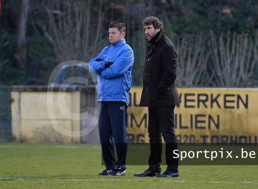 KM Torhout - FC Izegem :<br /> <br /> Bruno Debo (L) en Francky dekenne (L) broeden op een tactisch plannetje<br /> <br /> foto VDB / BART VANDENBROUCKE