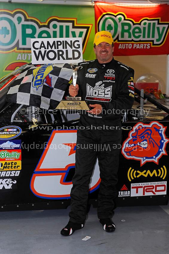 24-25 April, 2009, Kansas City, Kansas, USA.Winner Mike Skinner in Victory Lane. Bosch hat..©F. Peirce Williams 2009 USA.F. Peirce Williams.photography