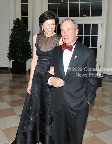 Washington, D.C. - November 24, 2009 --  New York City Mayor Michael Bloomberg and Ms. Diana Taylor  arrive for the State Dinner in honor of  Dr. Manmohan Singh, Prime Minister of India at the White House in Washington, D.C. on Tuesday, November 24, 2009..Credit: Ron Sachs / CNP.(RESTRICTION: NO New York or New Jersey Newspapers or newspapers within a 75 mile radius of New York City)