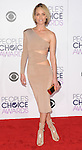 Amber Valletta arriving at the People's Choice Awards 2016 held at the Microsoft Theater L.A. Live