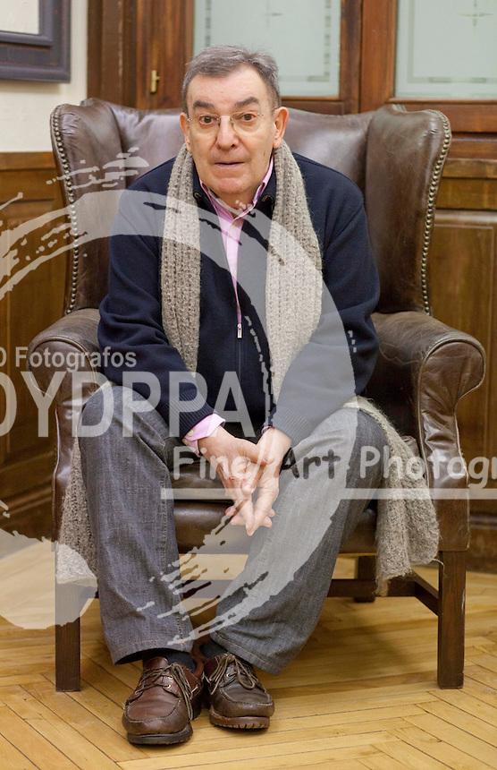 12/02/2013 Posado del director de cine Pedro Olea en la academia de Cine  (C) STAFF/ DyD Fotografos