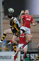 Wycombe, GREAT BRITAIN, left David DOHERTY and Gavin EVANS jump for the high ball, during the Heineken Cup game Wasps vs Llanelli Scarlets, at Adams Park Stadium, Bucks, 13.01.2008 [Photo, Peter Spurrier/Intersport-images]