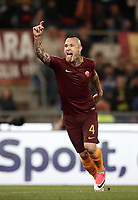 Calcio, Serie A: Roma vs Juventus. Roma, stadio Olimpico, 14 maggio 2017. <br /> Roma&rsquo;s Radja Nainggolan celebrates after scoring during the Italian Serie A football match between Roma and Juventus at Rome's Olympic stadium, 14 May 2017. Roma won 3-1.<br /> UPDATE IMAGES PRESS/Isabella Bonotto