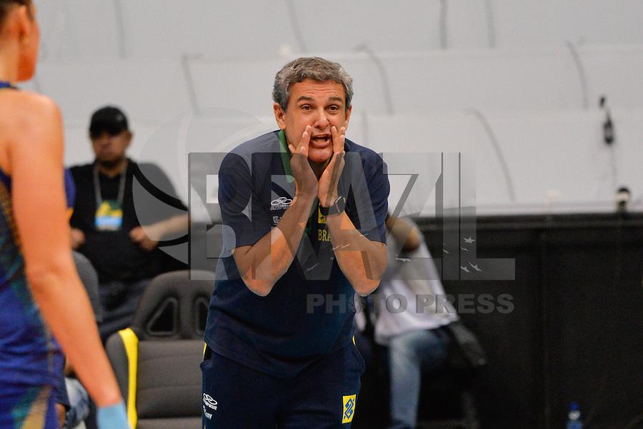 RIO DE JANEIRO, RJ, 29.08.2015 - VOLEI-RJ - O técnico José Roberto Guimarães durante a partida Brasil x Bulgária na Copa Internacional de Voleibol Feminino, no ginásio do Maracanãzinho, na zona norte, neste sábado (29). (Foto: João Mattos / Brazil Photo Press)
